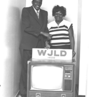 b7f32a - Paul White with contest winner - 1979.jpg